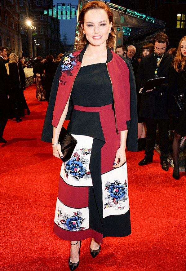Daisy Ridley in Roland Mouret