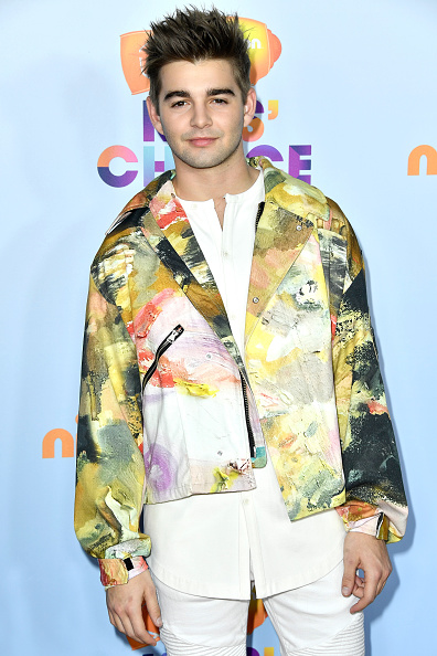 Jack Griffo, please tell us why? Why does your jacket not fit you? Why is there so much going on? Why are your sleeves so trippy?