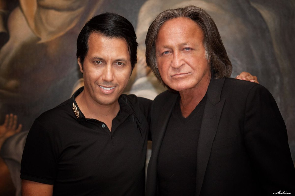 MOHAMED HADID UP CLOSE & PERSONAL ON LIFE AND LOVE ...  MOHAMED HADID U...