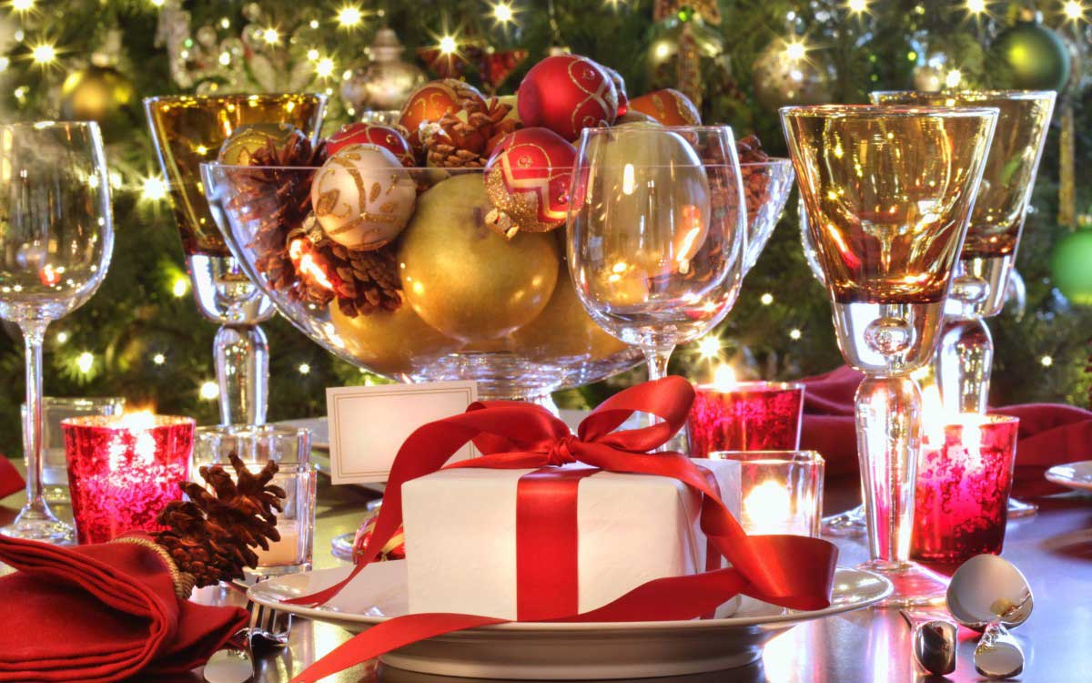 also you can use gilded nuts or christmas ornaments between or around the serving ware to add a touch of fabulosity to the ambiance while sticking to the - Christmas Dinner Party